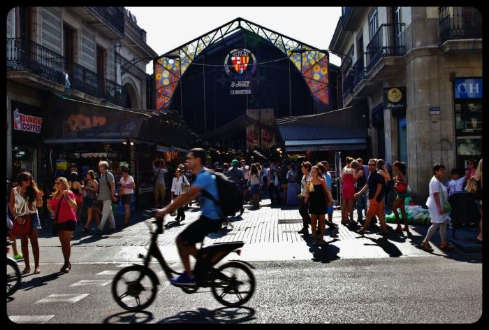 La Boqueria coté rue/Barcelone 08.2013