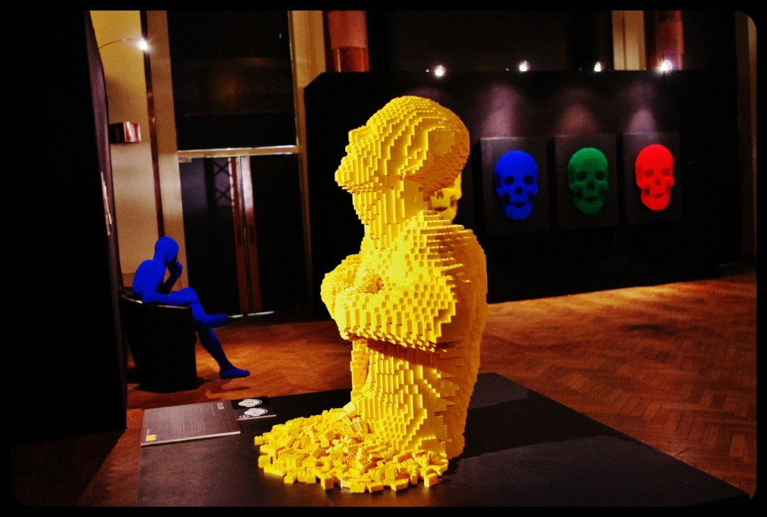 "Yellow par Nathan Sawaya/Expo ""Art of the brick"". Bruxelles 2014"