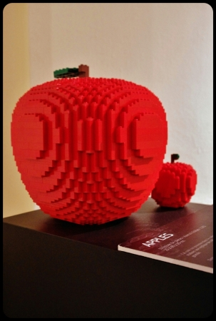 "apples/ Expo ""Art of the brick"". Bruxelles 2014"
