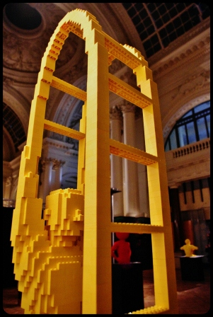 "STEPLADDER/Expo ""Art of the brick"". Bruxelles 2014"