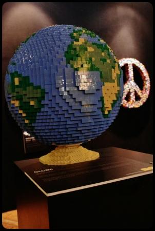 "Globe/Expo ""Art of the brick"". Bruxelles 2014"