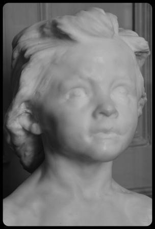 """""""La petite châtelaine"""" par Camille Claudel en 1896"""