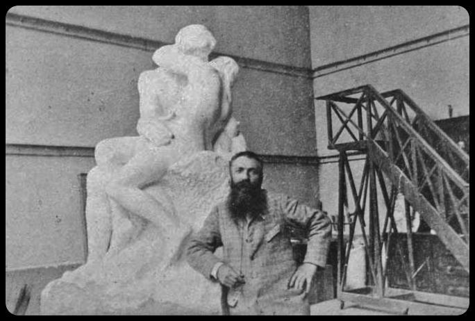 """Auguste Rodin devant """"le baiser"""" 1888/1889"""