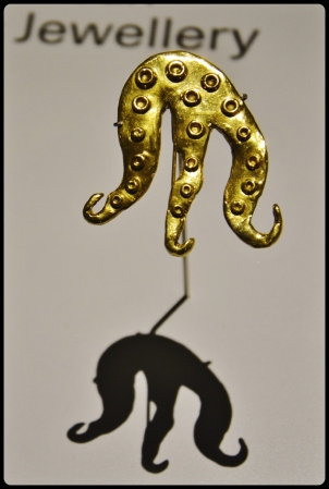 "Expo Médusa Paris 11.2017-Broche ""Miss Octopus"" (1966) - Dorothea Tenning"