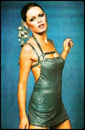 Brigitte Bardot 1968-1969/ robe Pacco Rabanne